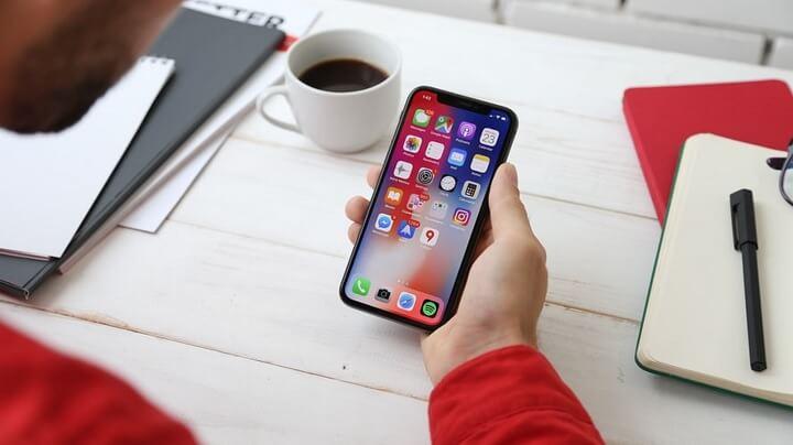 smartphone-en-la-mano
